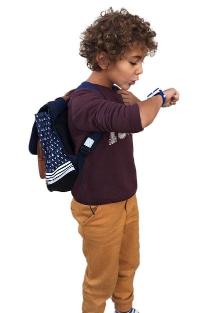 enfant avec Kiwipwatch