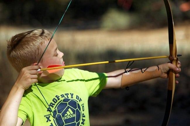 colonie de vacances enfants 8-12 ans tir à l'arc