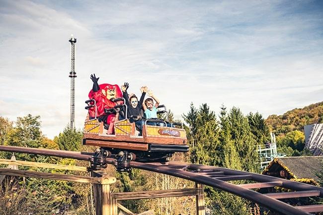 Nigloland Halloween roller coaster enfants