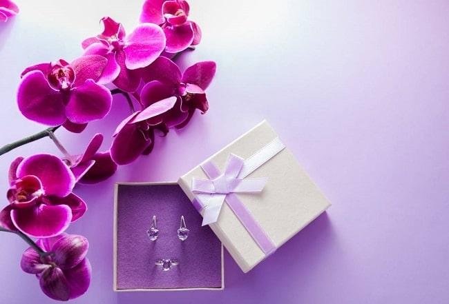 offrir un bijou