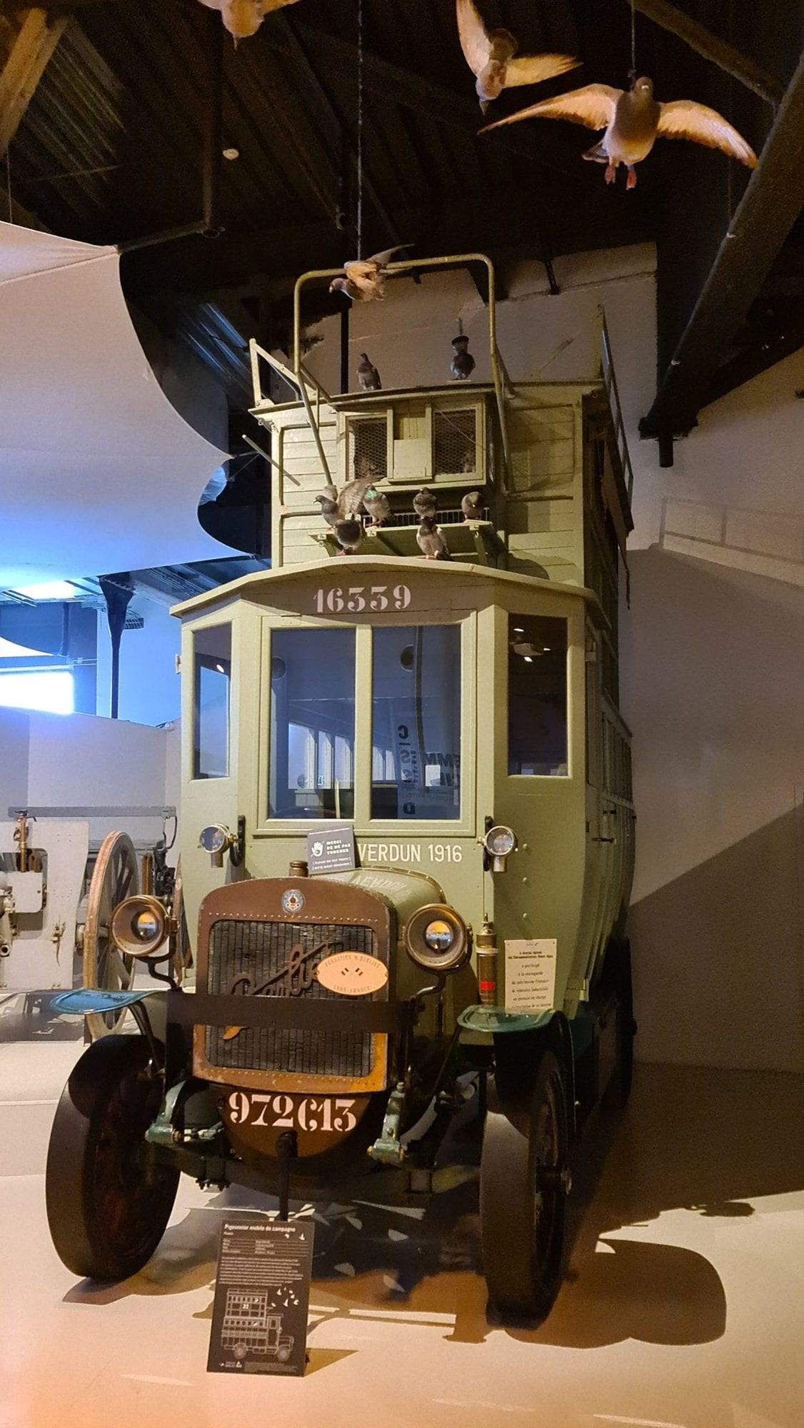 Musée de Meaux, camion transport pigeons voyageurs