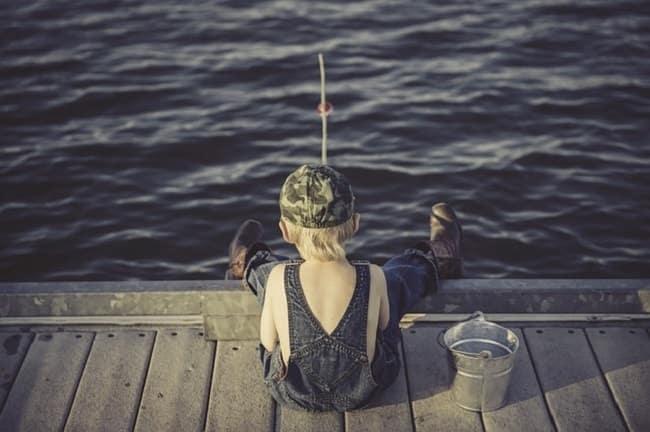 initiation à la pêche enfant