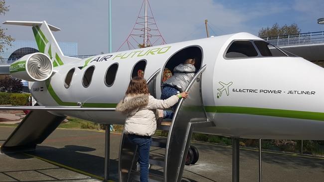 Futuropolis Futuroscope avion