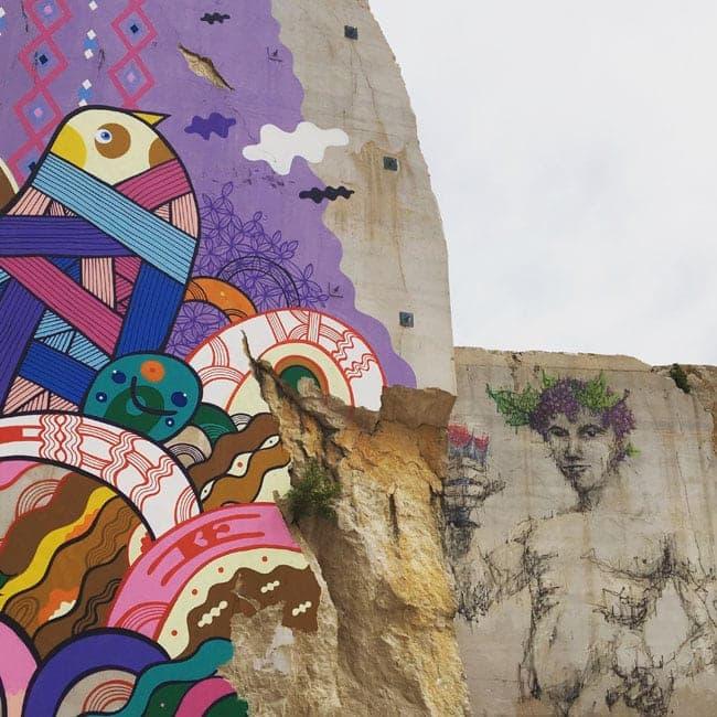 La Karrière street art dans les vignes