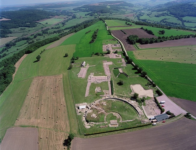 vue aérienne ville gallo-romain alesia