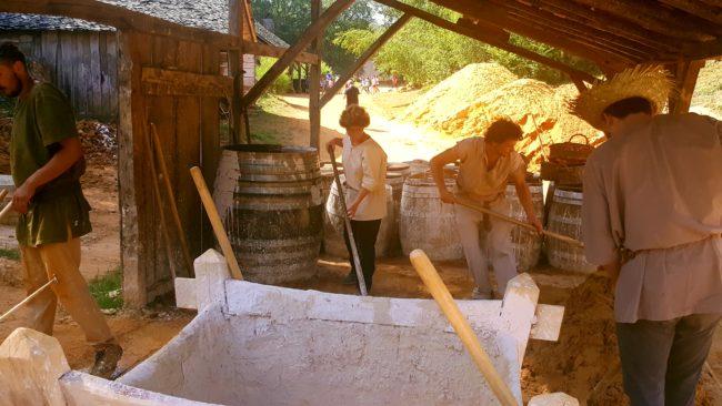 Guédelon chantier bâtisseurs