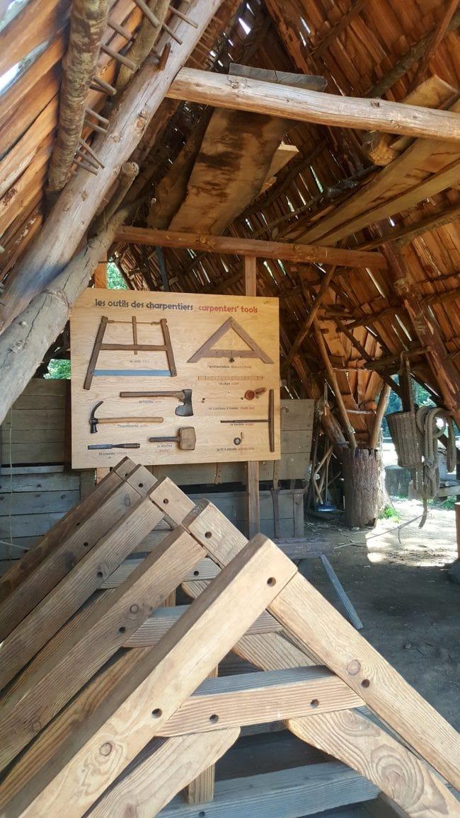 atelier charpentier Guédelon