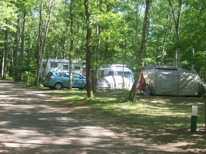 camping La Calanque au lac du Bourdon dans l'Yonne