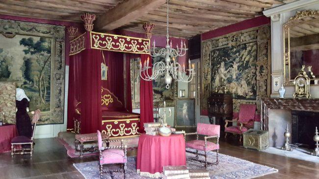 château de Saint-Fargeau chambre de la Grande Mademoiselle