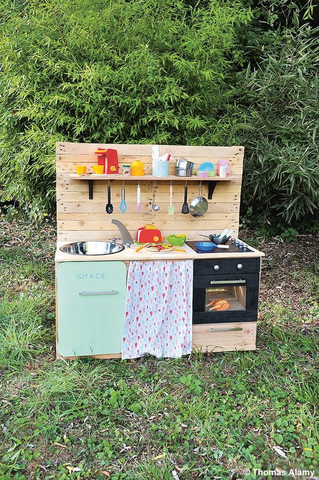 fabriquer une cuisine enfant en palettes