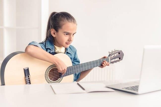 cours de guitare en ligne pour enfants