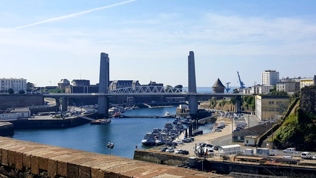 Brest ateliers capucins vue rade