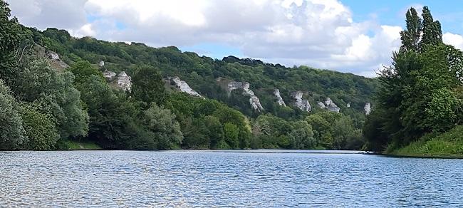 Falaises de craie en bord de Seine dans le Vexin