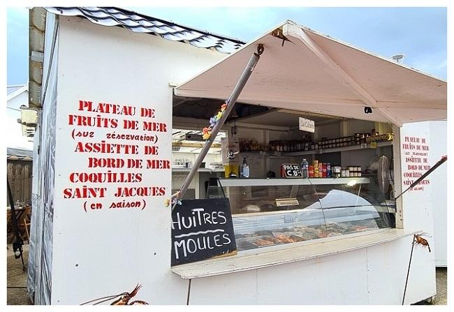manger des huitres à Quiberville Cabane Albatre et Caux