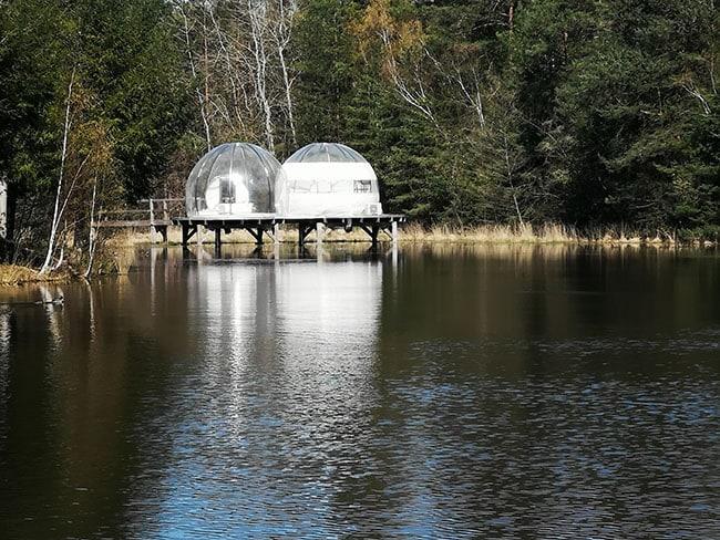 gite insolte bulle sur lac en Sologne
