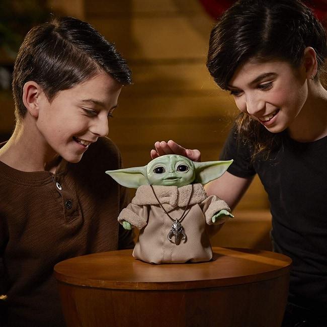 baby Yoda Hasbro animatronics