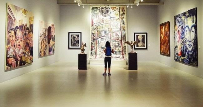 sortie culturelle avec les enfants dans les foires d'art