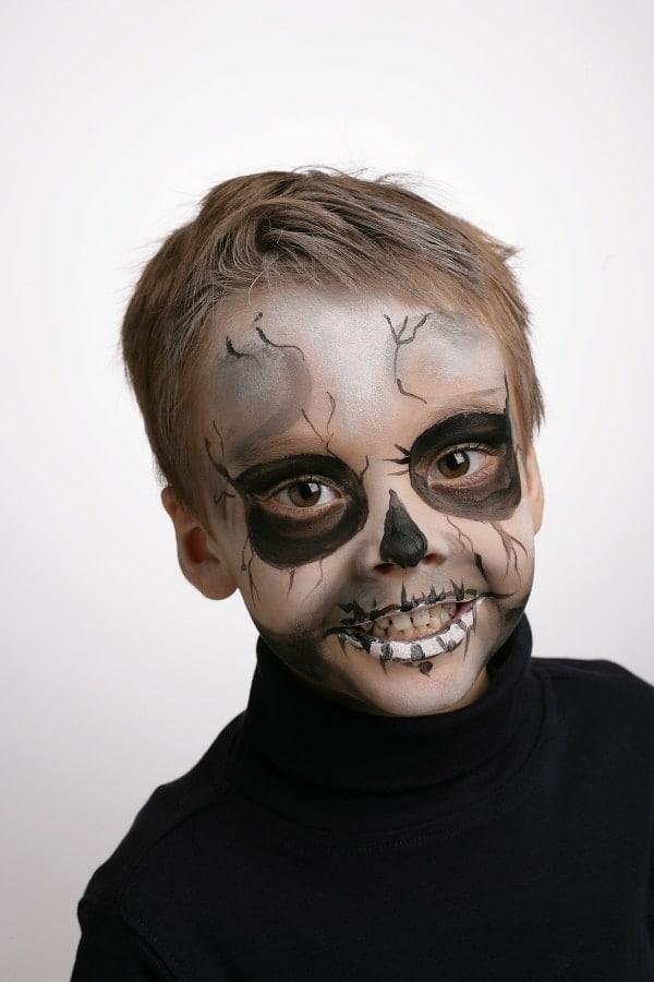tuto maquillage squelette Halloween enfant