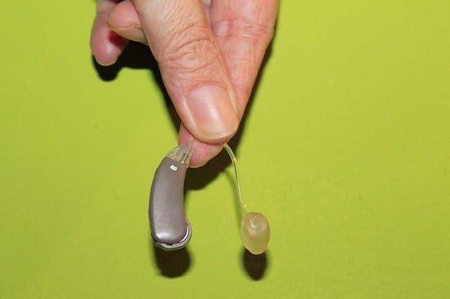comment choisir un premier appareil auditif