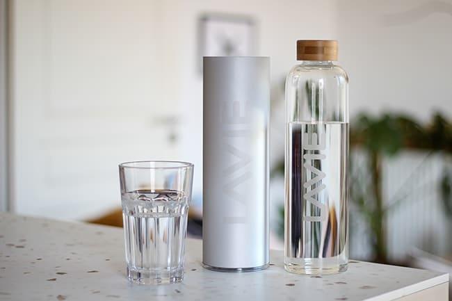 bouteille purifiante LaVie pour purifier l'eau du robinet